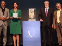 Girona. Acte d'entrega del Premi d'Europa que ha rebut l'Ajuntament de Girona. Al teatre municipal.