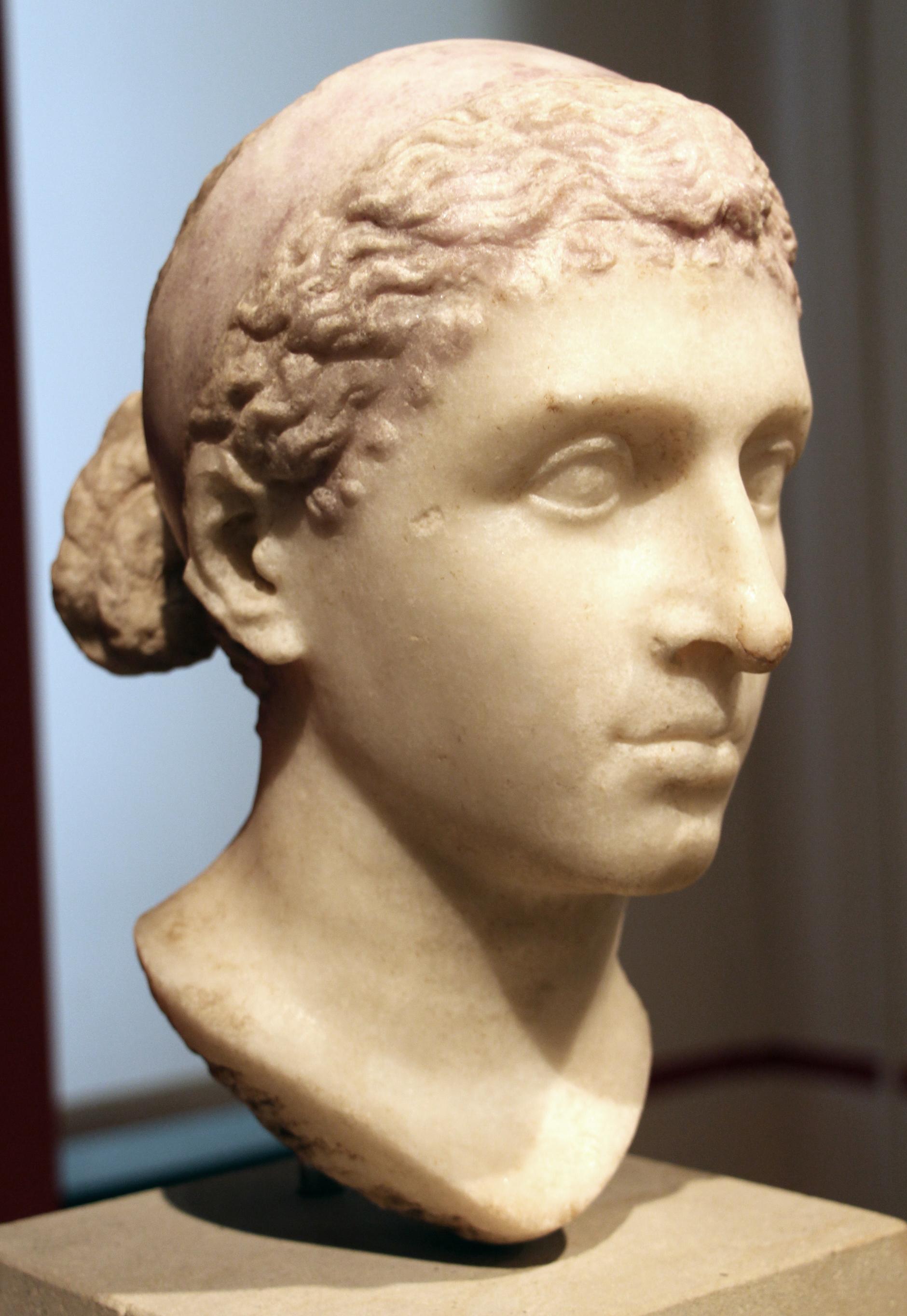 Cleopatra_VII,_dalla_via_appia_tra_ariccia_e_genzano,_40-30_ac_ca._02